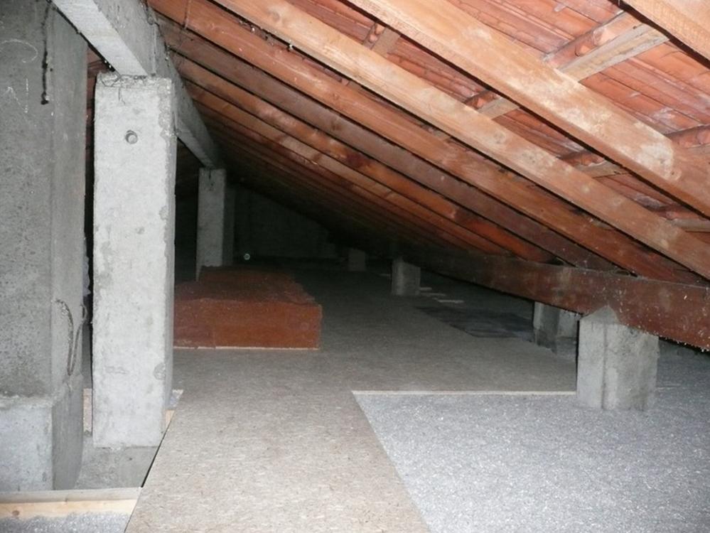 Isolation de comble perdu avec chemin de passage et plancher